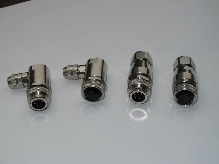 7/8-16UNF工业连接器芯数有:3针3孔、4针4孔、5针5孔、6针6孔、7针7孔、8针8孔
